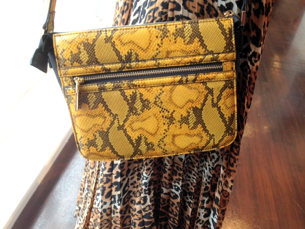 Hello snakeskin bag next to leopard print skirt!
