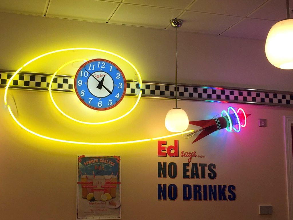 American Dining at Ed's Easy Diner